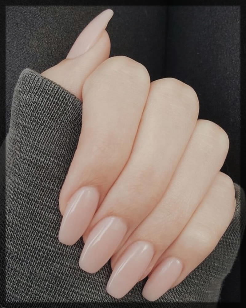 descent light nude nail color