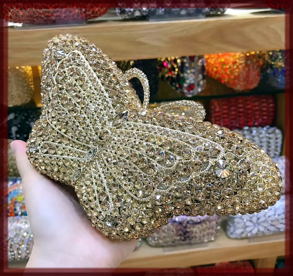 latest Bridal Clutches In Pakistan