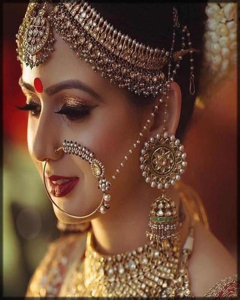 stylish matha patti for bride