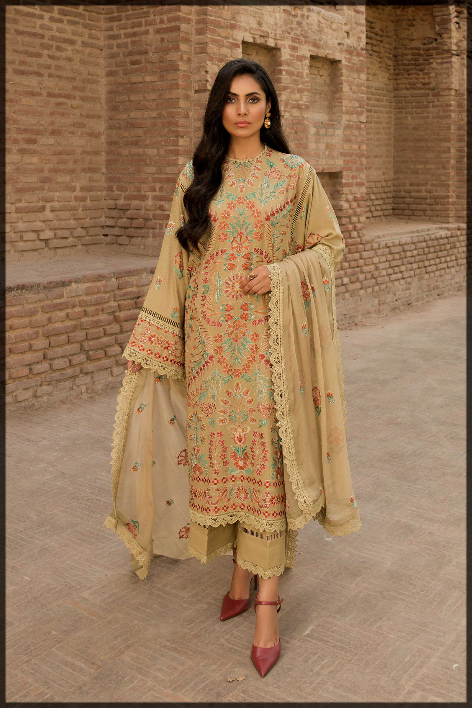 Embroidered Karandi suit for women