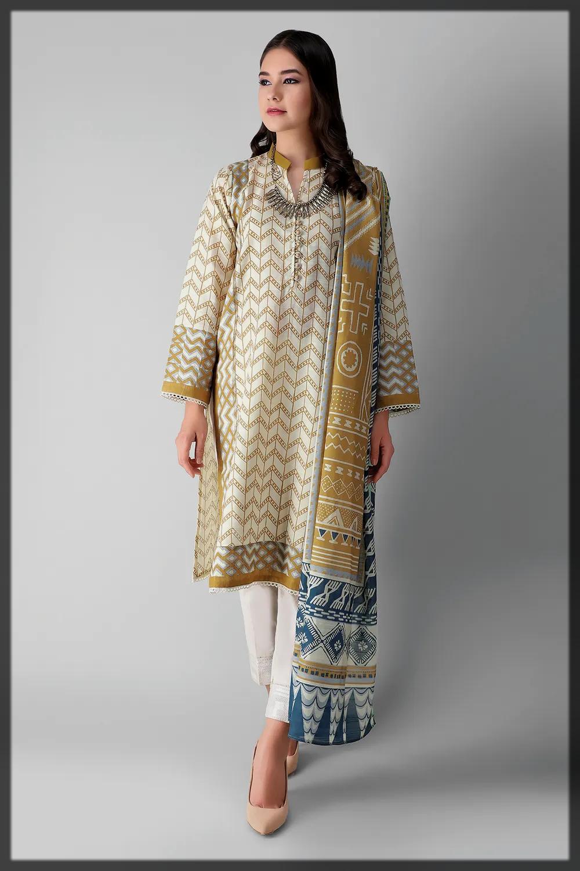 appealing winter suit for women