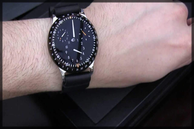 elegant ressence watch