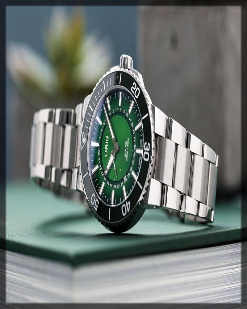 graceful oris wristwatch