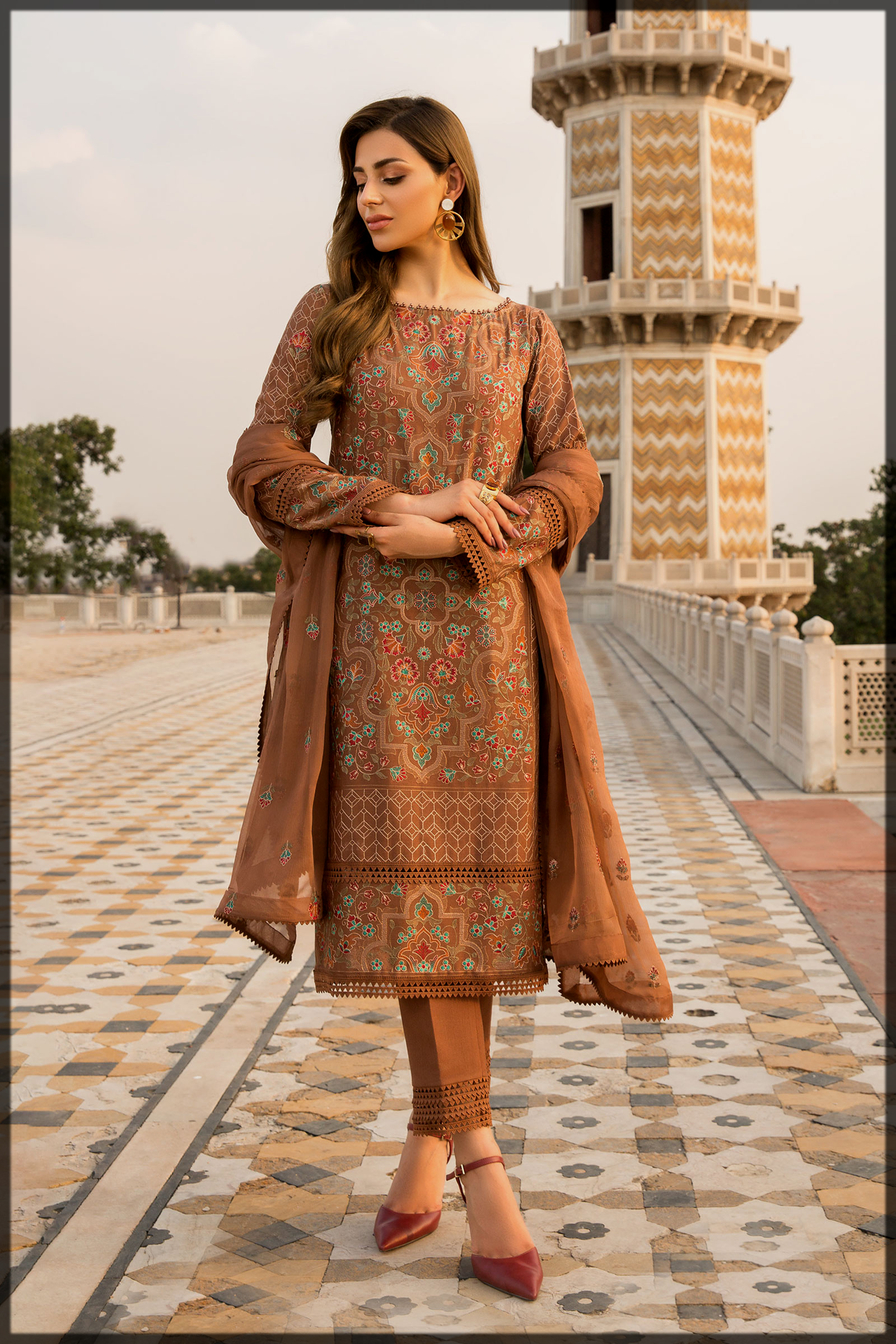 latest Embroidered Karandi suit for women by bareeze