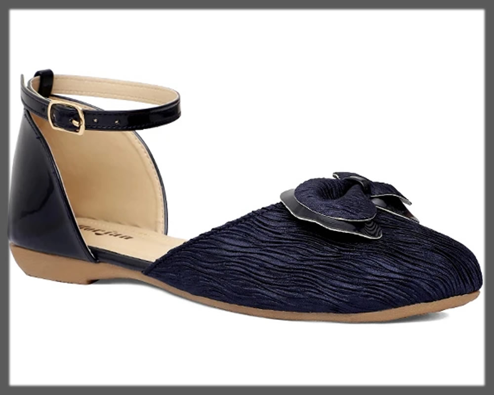 navy blue strapped pumps