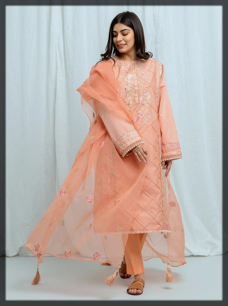 powder pastel-Embroidered-3P suit