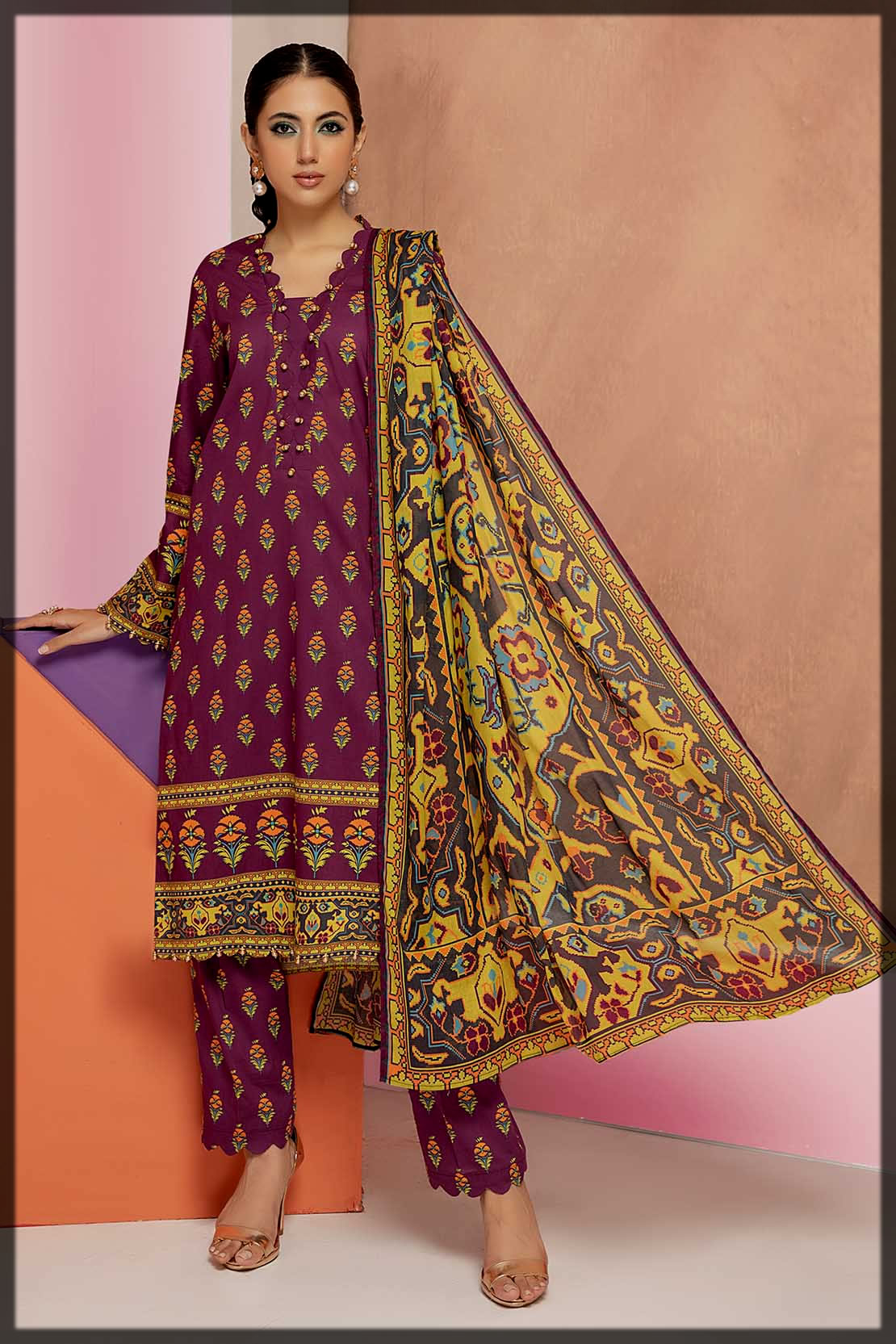 purple 3PC cambric suit by so kamal