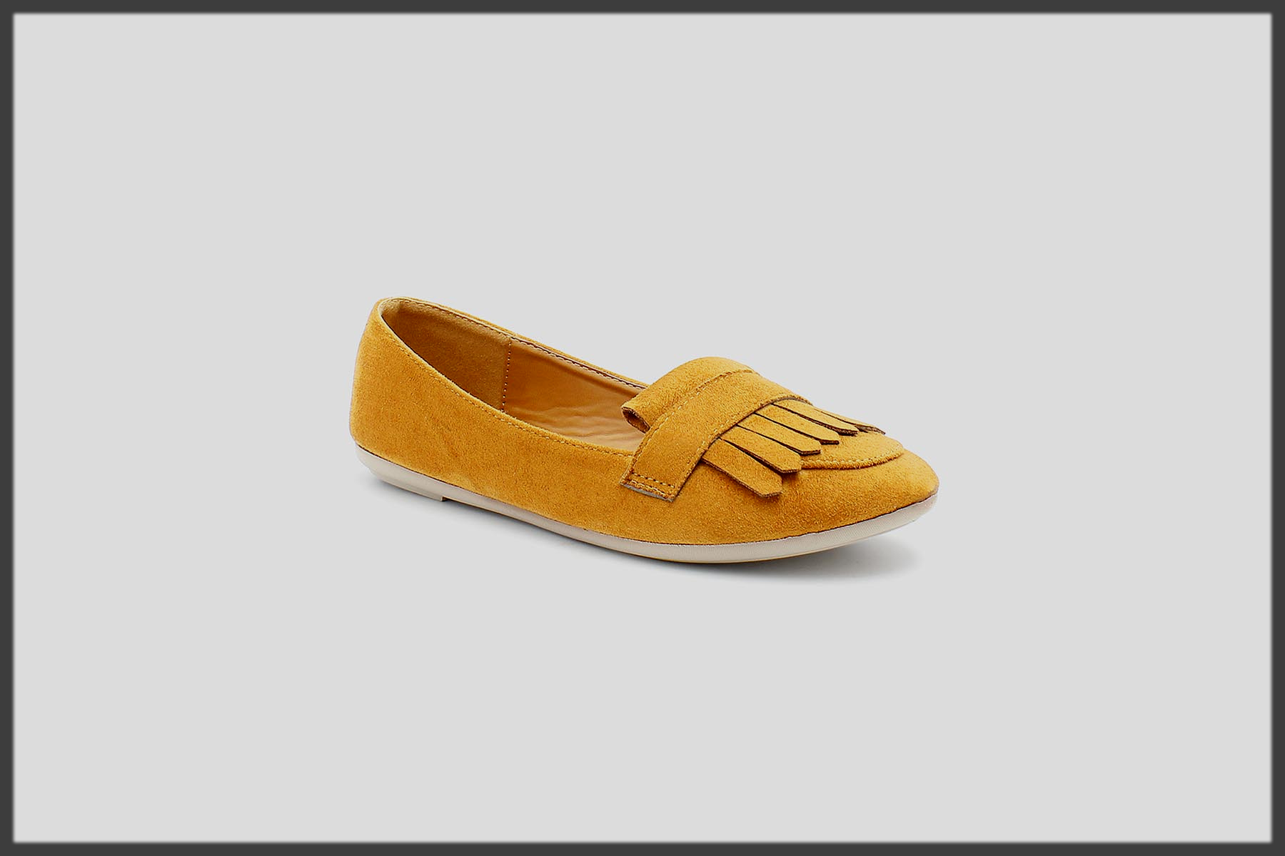 yellow pump shoes