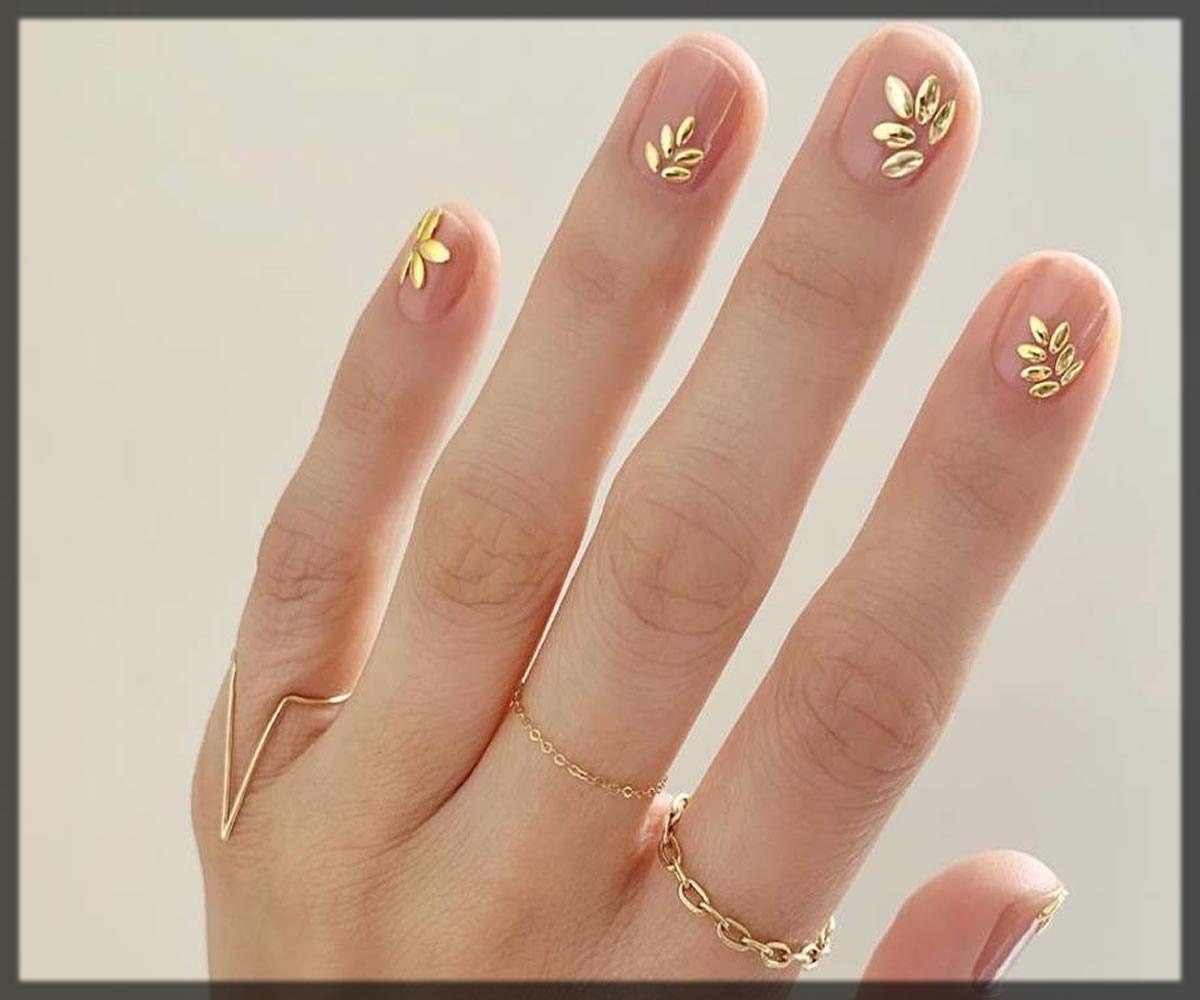 Pearl accent Bridal Nail Art Designs