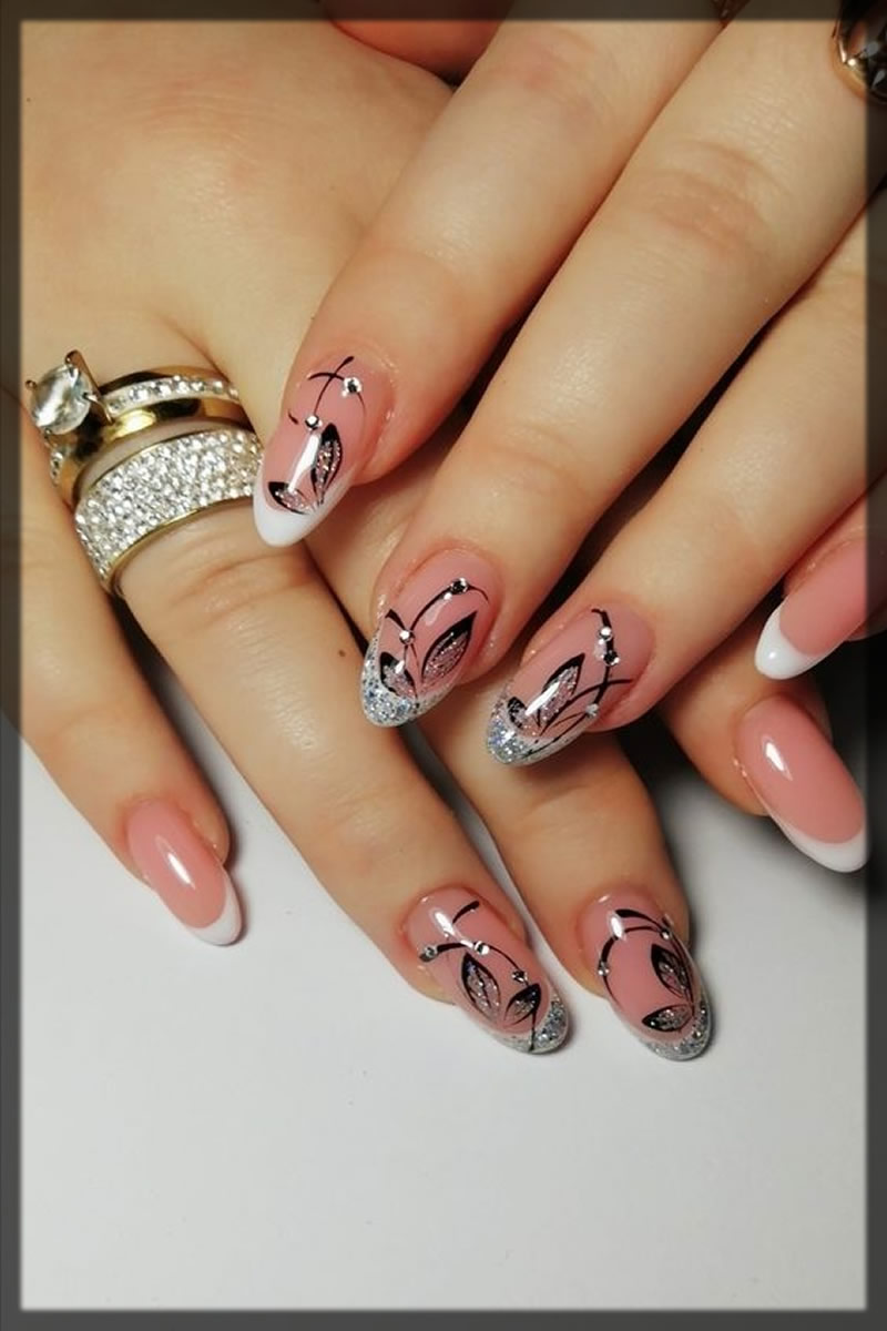 leaf pattern nail design