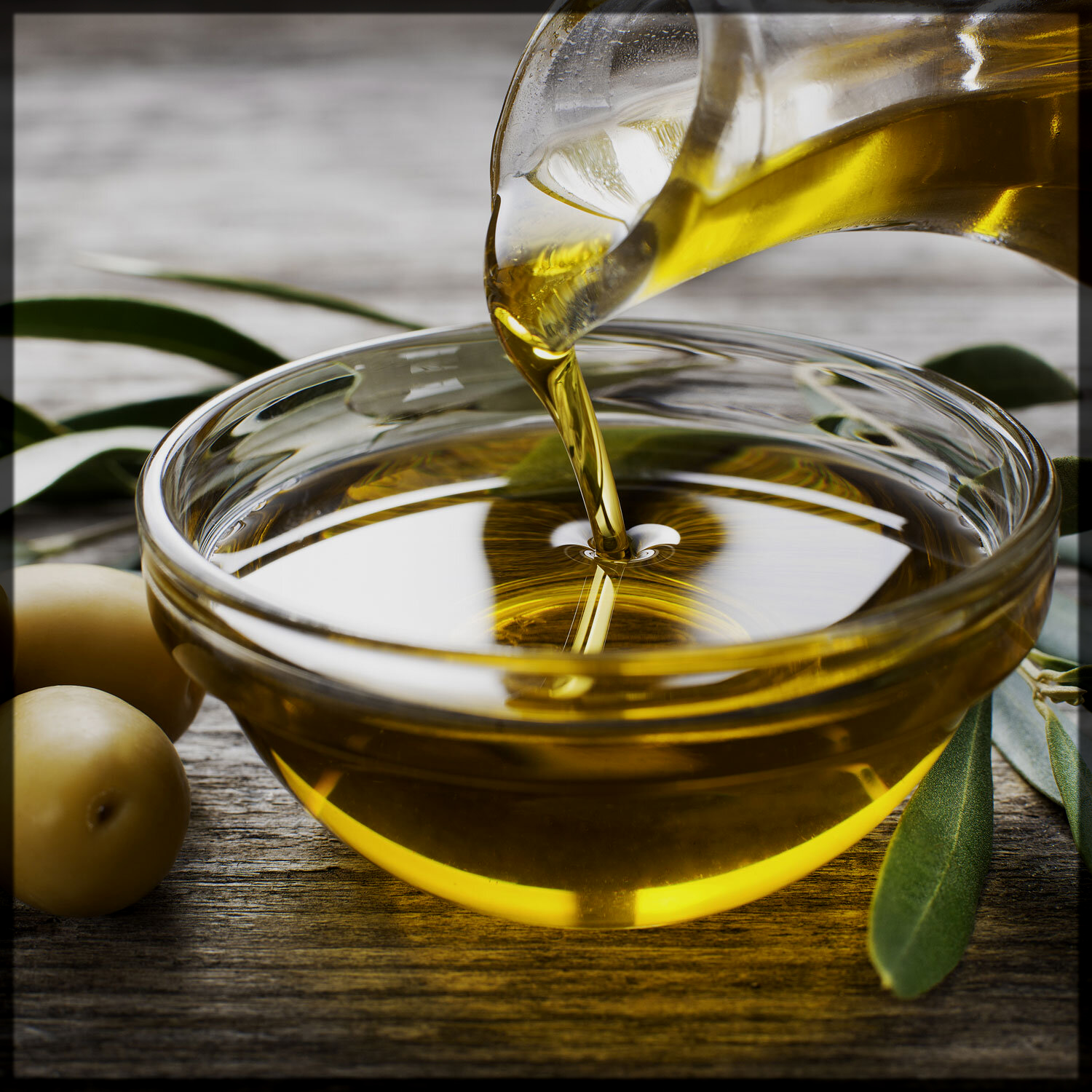 Olive Oil is Best to Remove Mehndi at Home