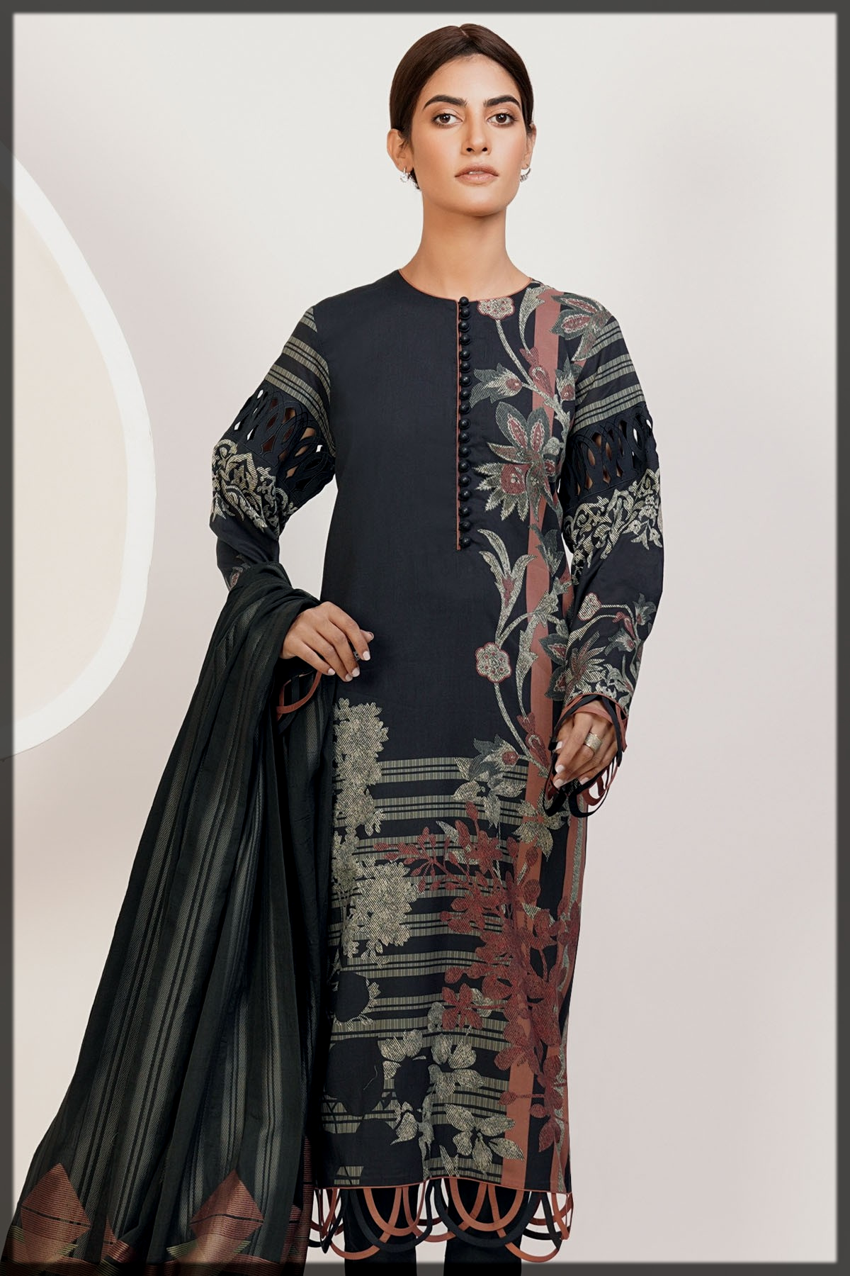 3 Pc Printed Lawn Suit With Jacquard Dupatta