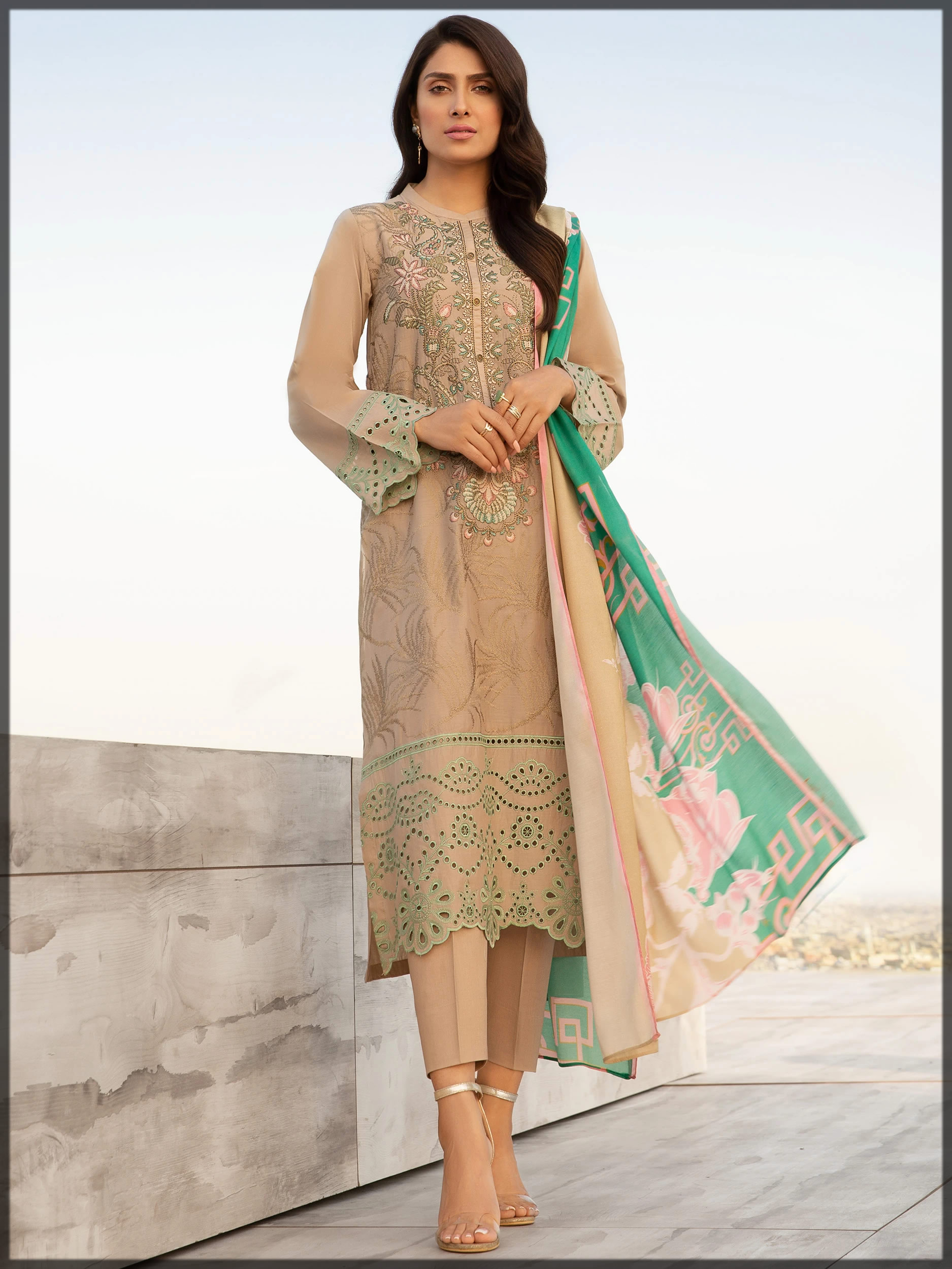 beautiful chikan kari lawn pret suit