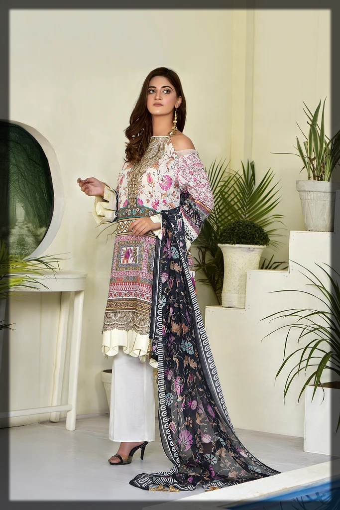 Printed Embroidered Lawn 3PC suit