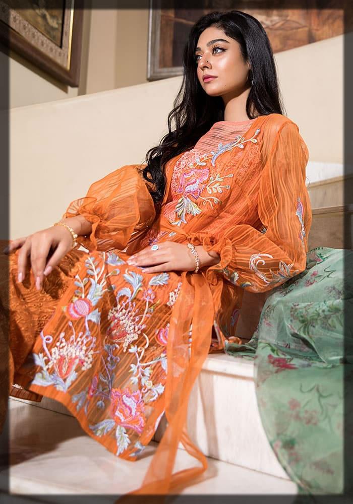 beautiful noor zafar khan in amber flame outfit