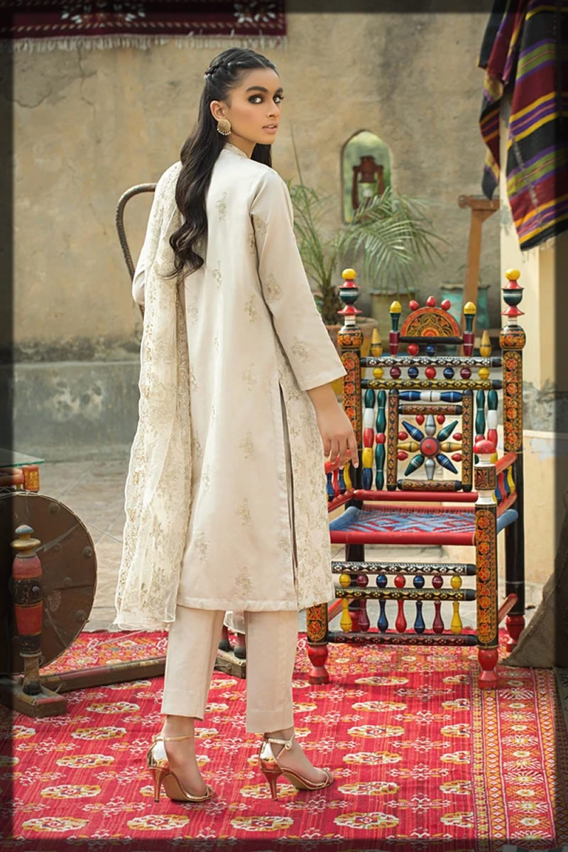 beautiful skin embroidered lawn suit