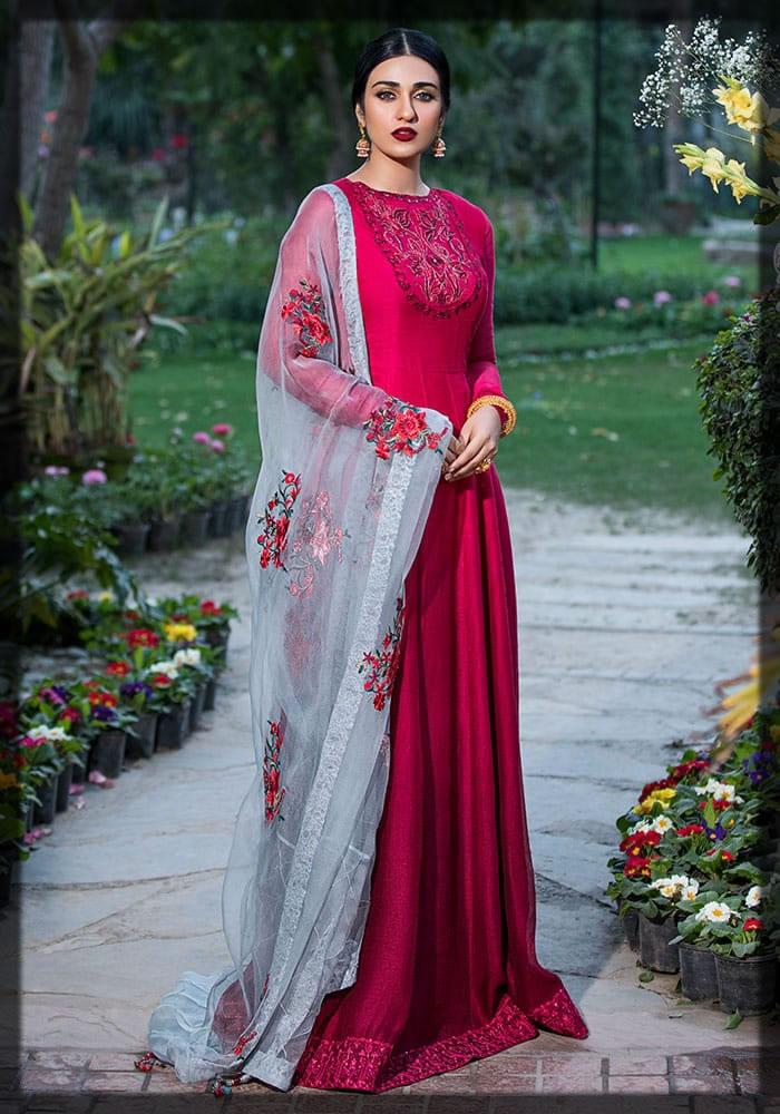 Nilofer Shahid Luxury Lawn