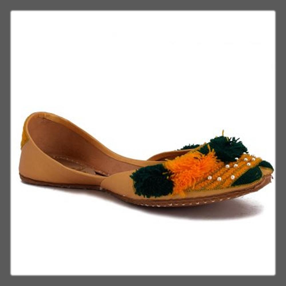 yellow ethnic khussa for girls