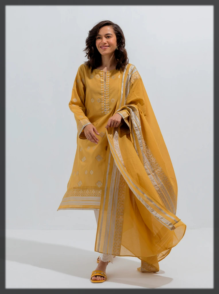 Mustard jacquard with gold and silver motives shirt