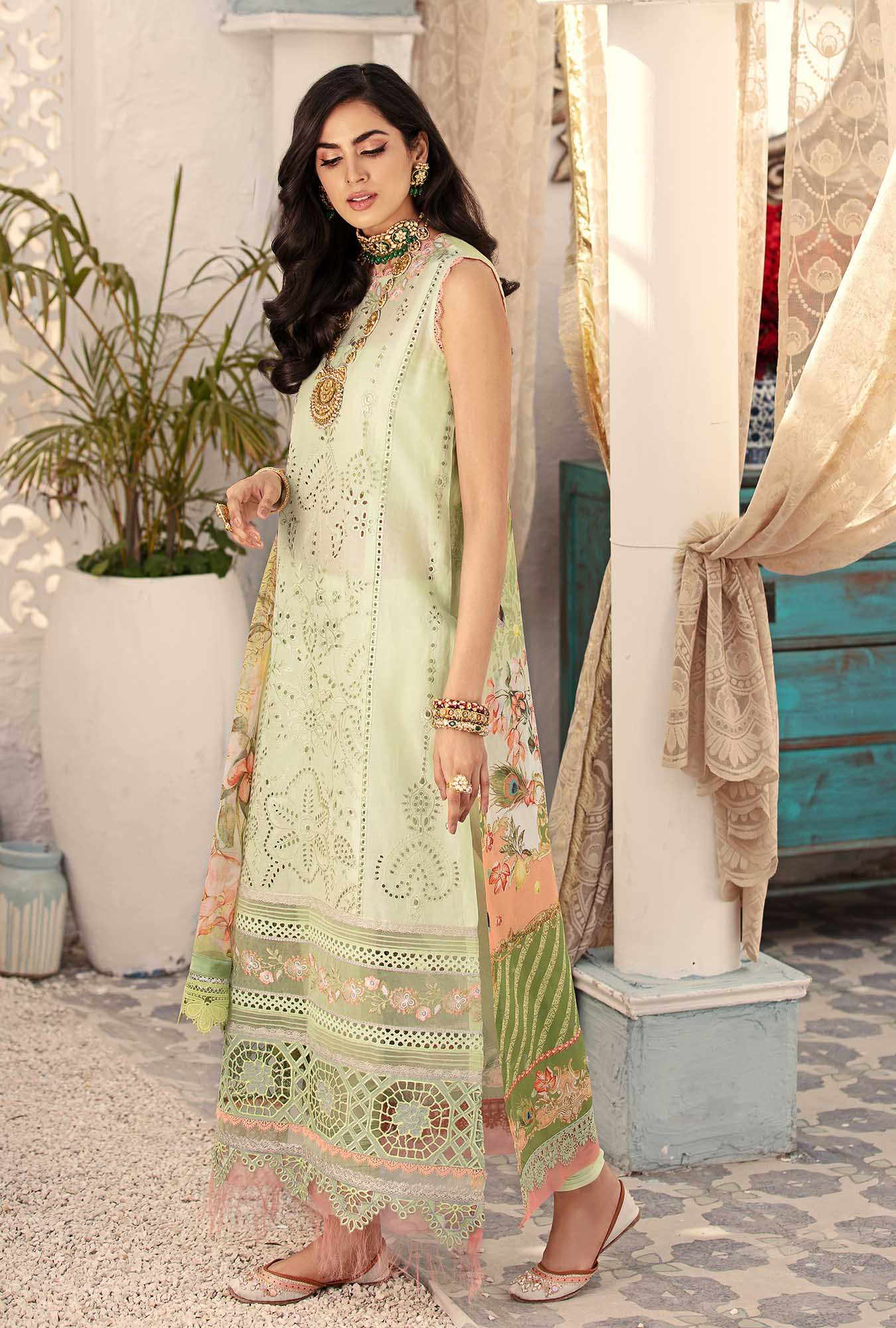 chikan kari Saadia Asad Eid Collection