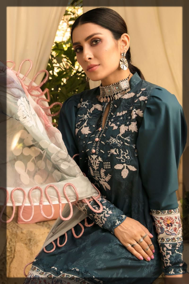 classy embroidered lawn outfit