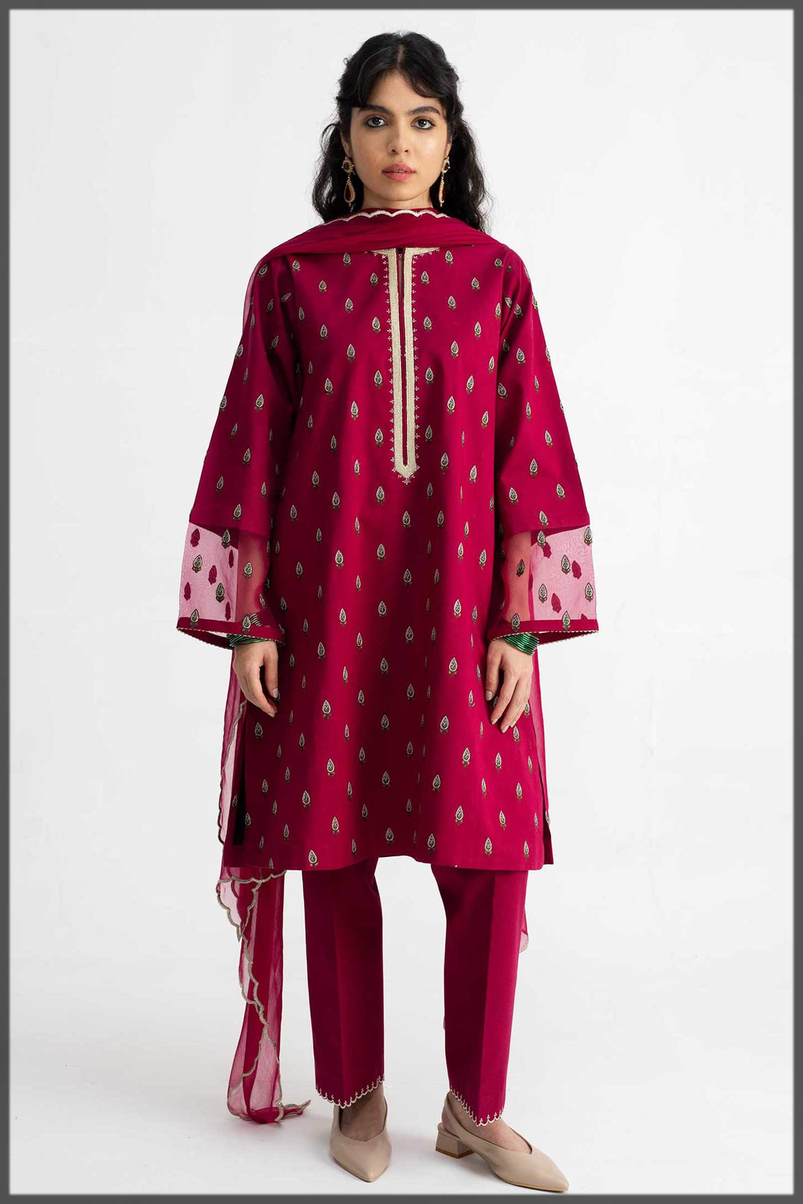 deep red outfit for teens