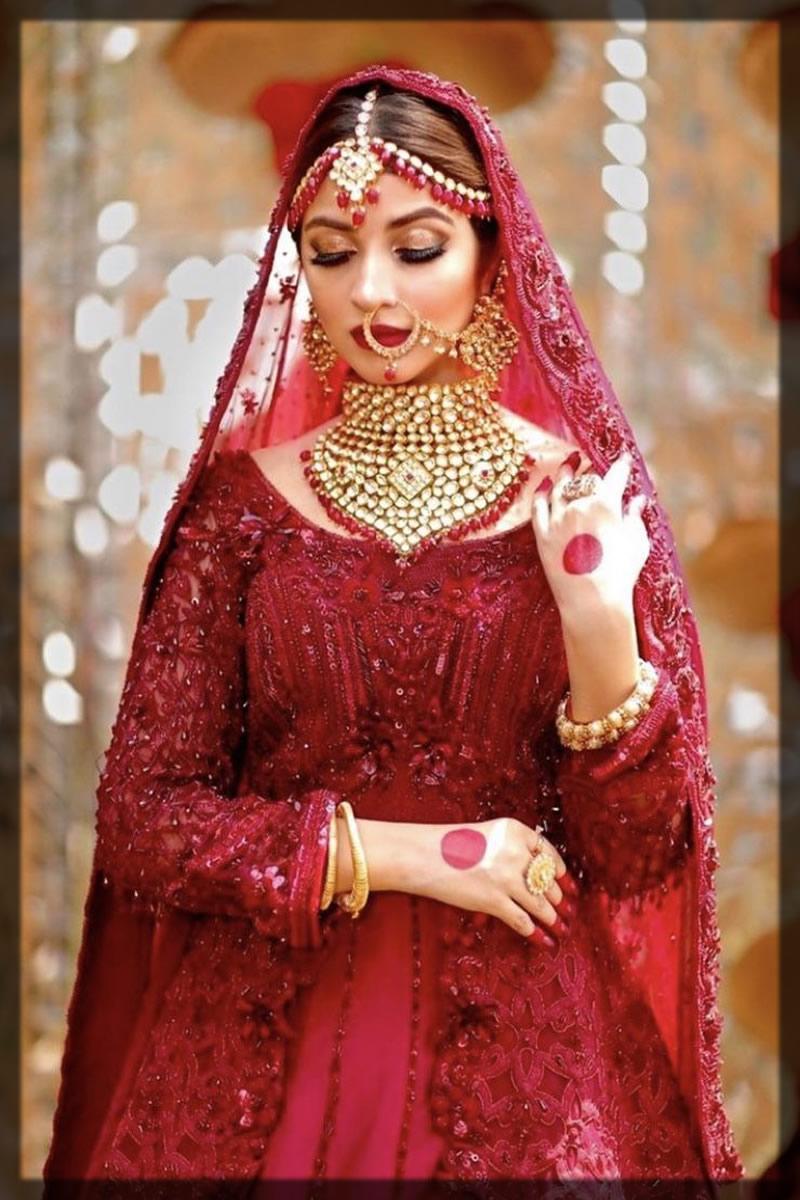 stunning kinza hashmi in head jewelry