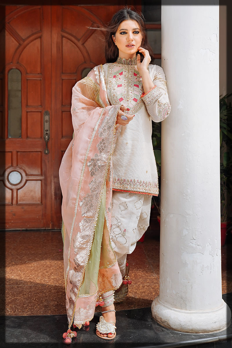 white and peach oufit for eid