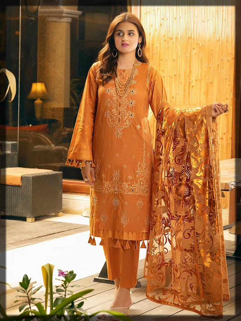 yam glow embroidered lawn suit
