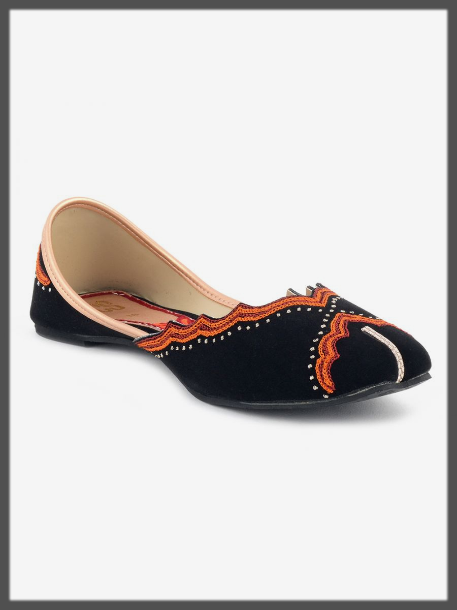 Classical black khussa for women