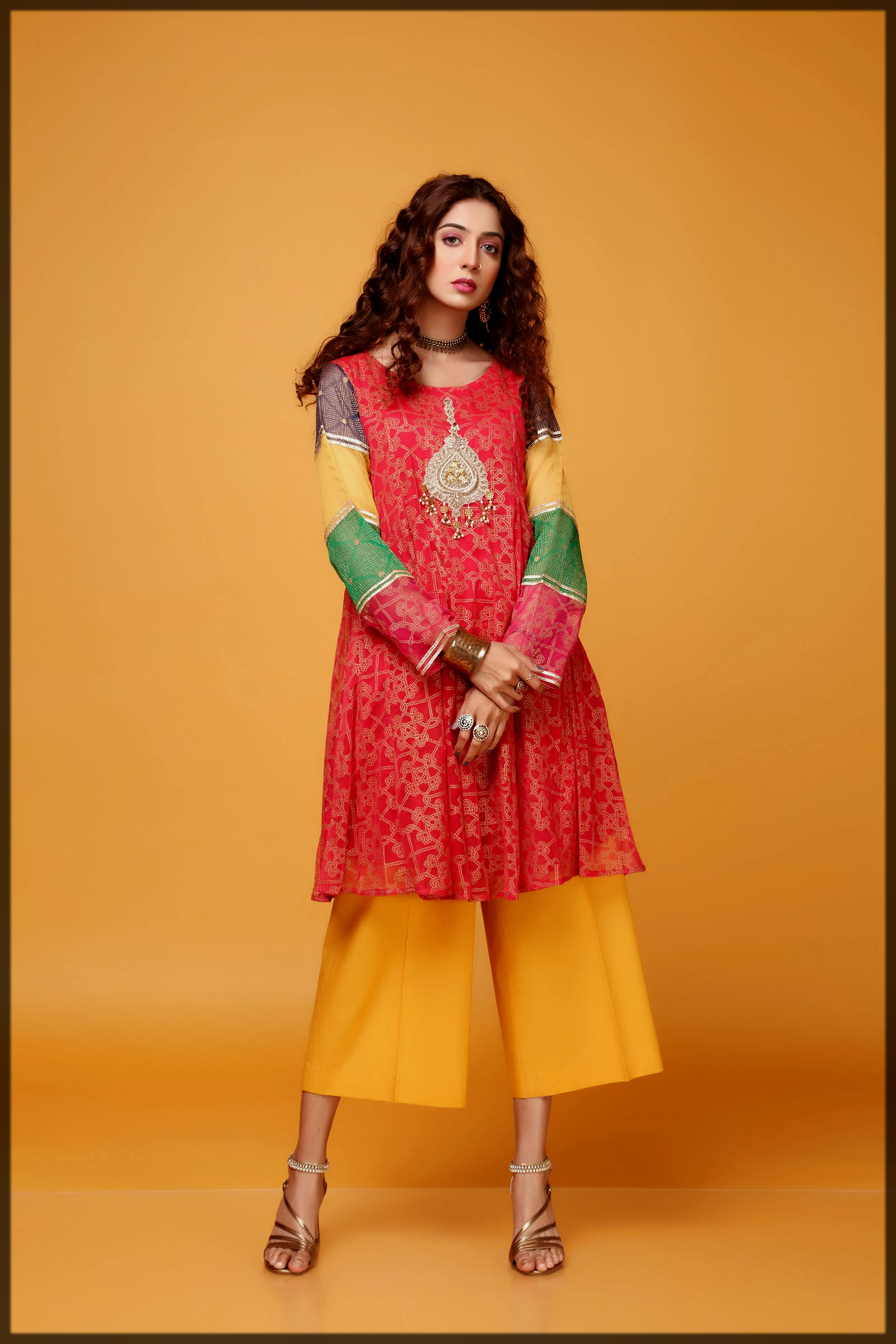 Traditional marron frock for women