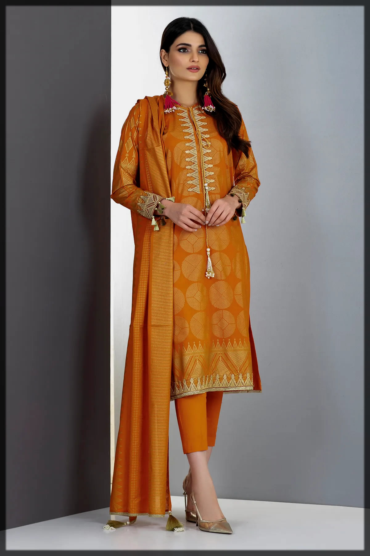dazzling summer lawn suit for eid