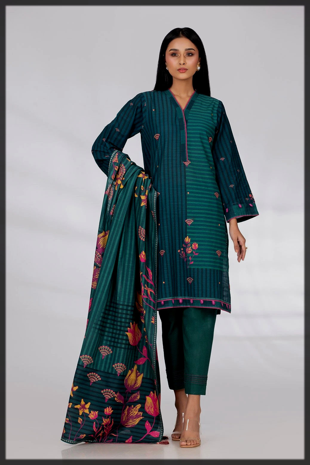 blue shaded gul ahmed winter collection